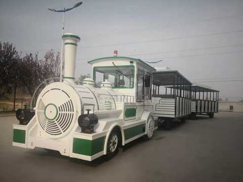 Large Trackless Train for Australia